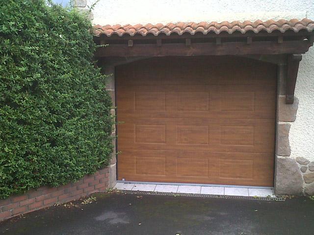 Installation de portes de garage solabaie en alu et pvc for Porte de garage vendome